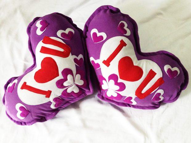 Gối tim đặt theo yêu cầu I love you size 1